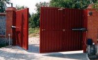 Особенности конструкции распашных ворот