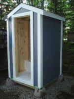 Туалет на даче – жизненная необходимость